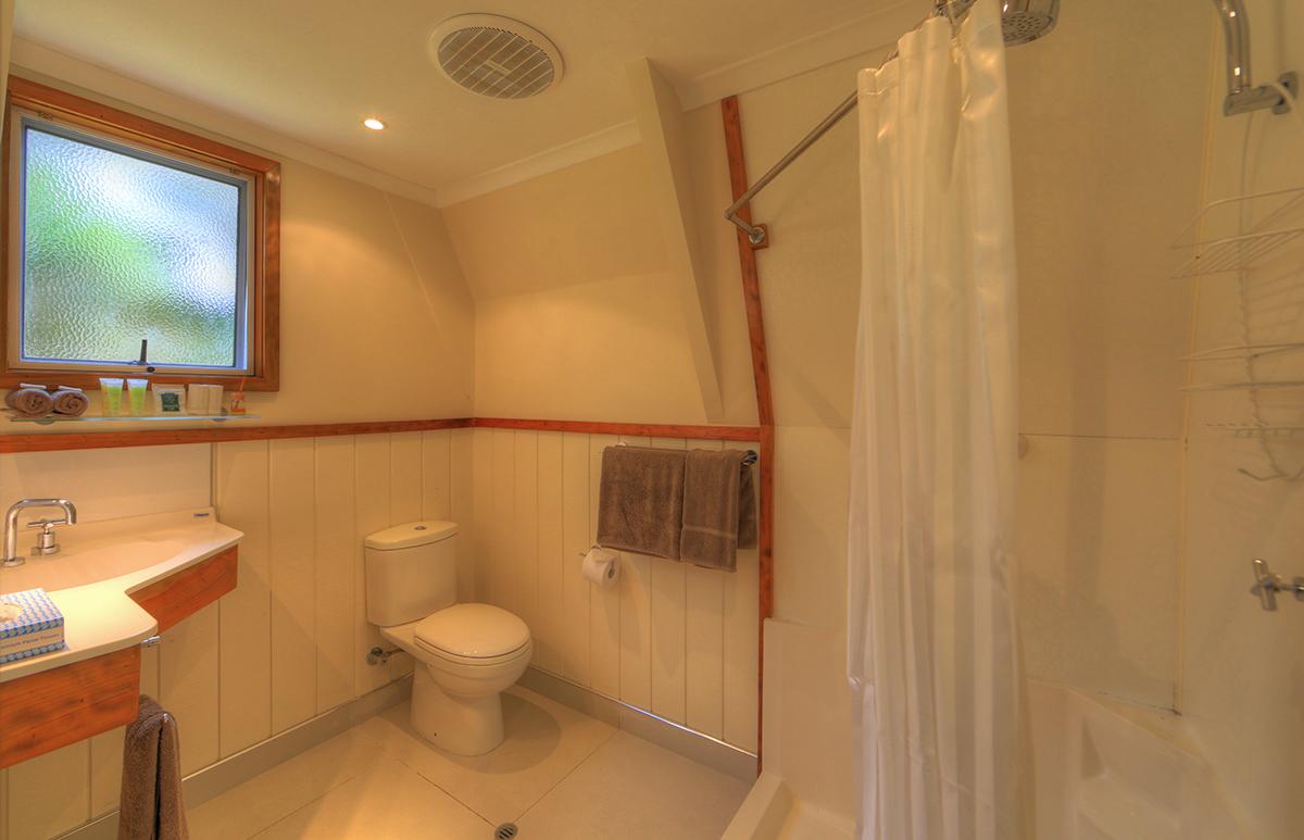 One Bedroom Chalet - Bathroom