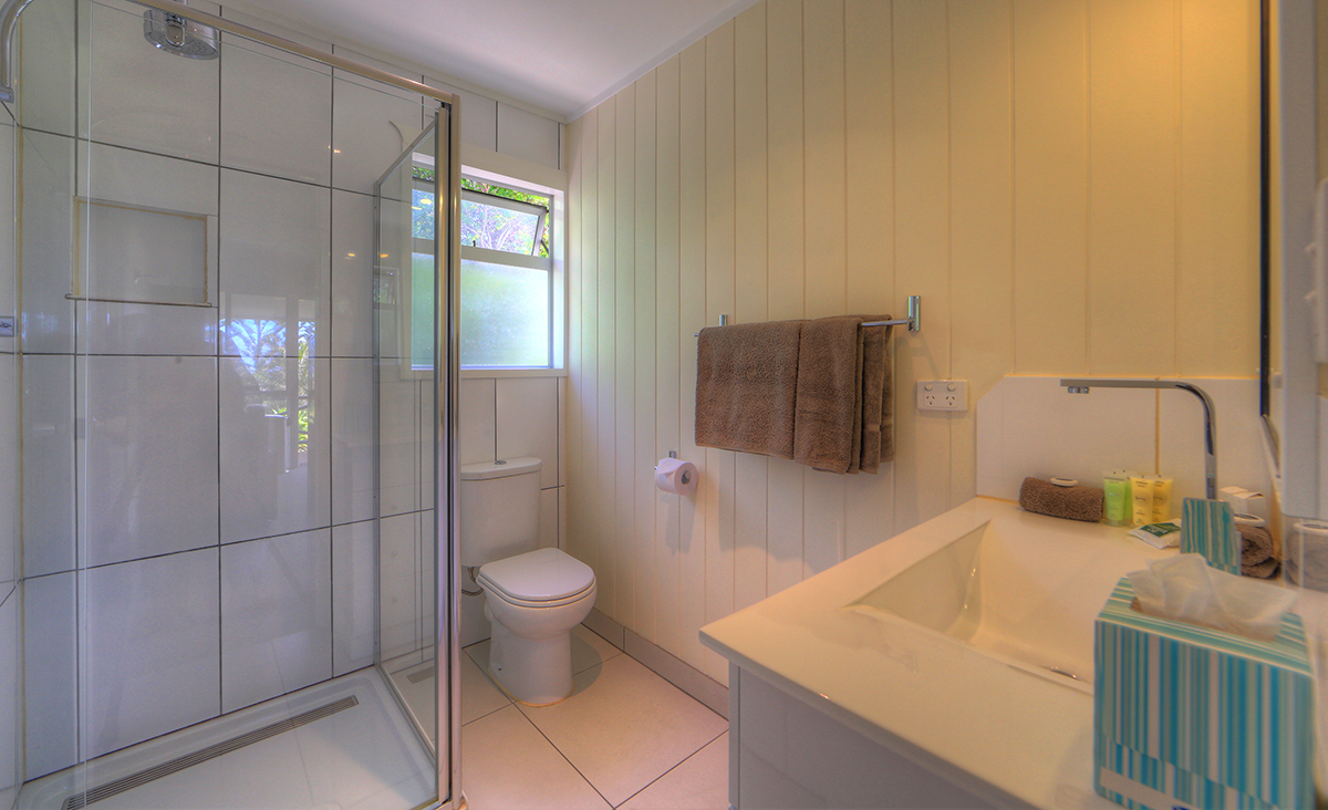 1 or 2 Bedroom Suite - Bathroom